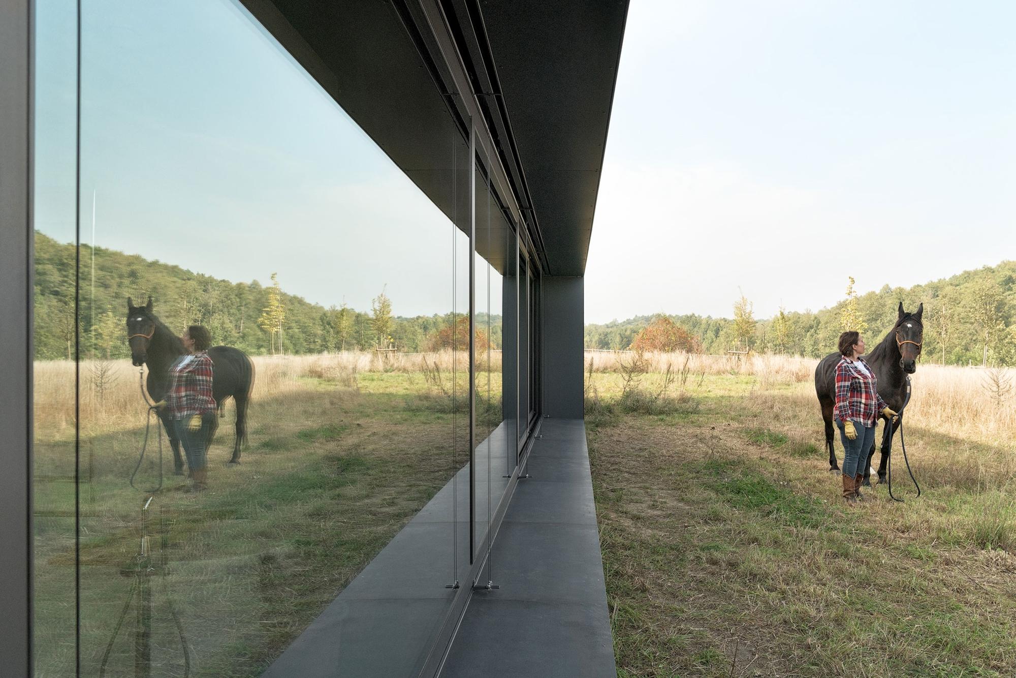 Najlepsze domy w Polsce: Dom POZ_7 – nowoczesna stodoła w Poznaniu