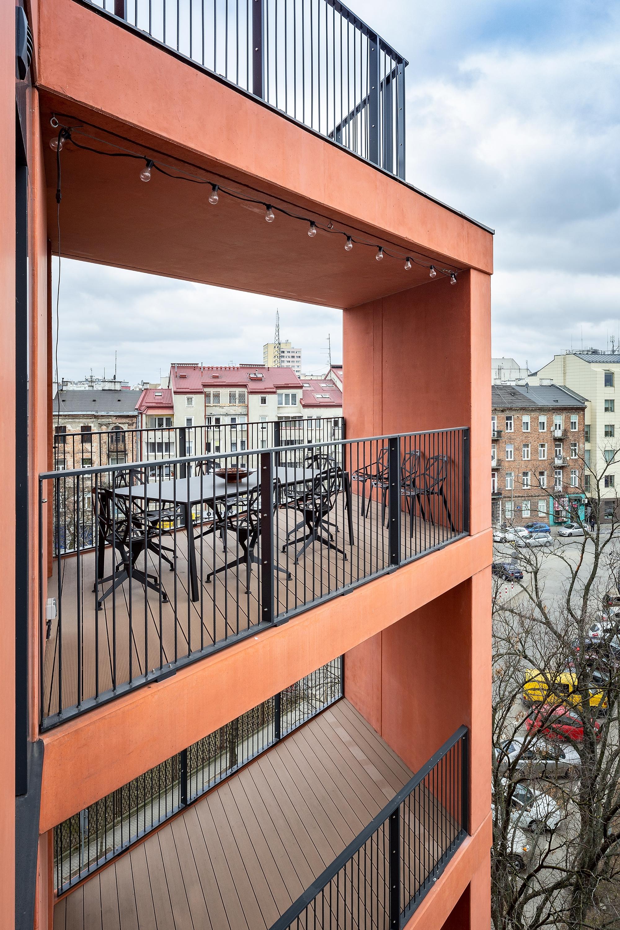 mieszkanie Przemo Łukasika na warszawskiej Pradze