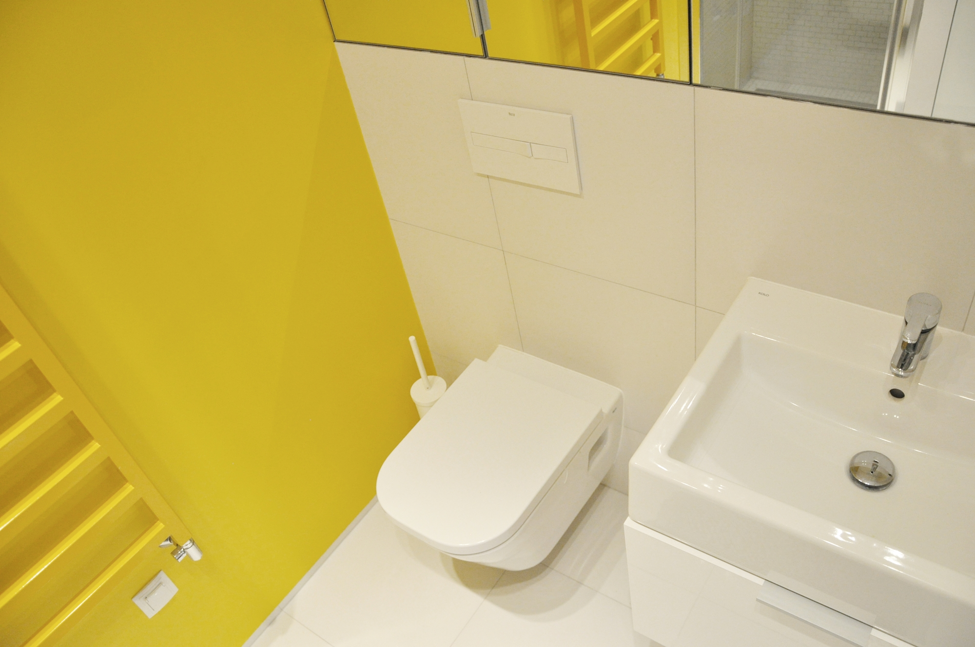 kolorowe mieszkanie o pow 40 mkw